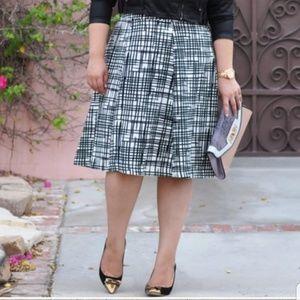 Ava & Viv Black/White Circle skirt Sz 18
